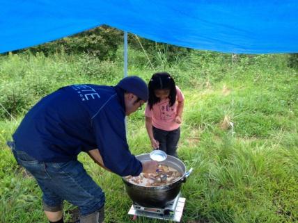 タンスタキャンプの炊き出し