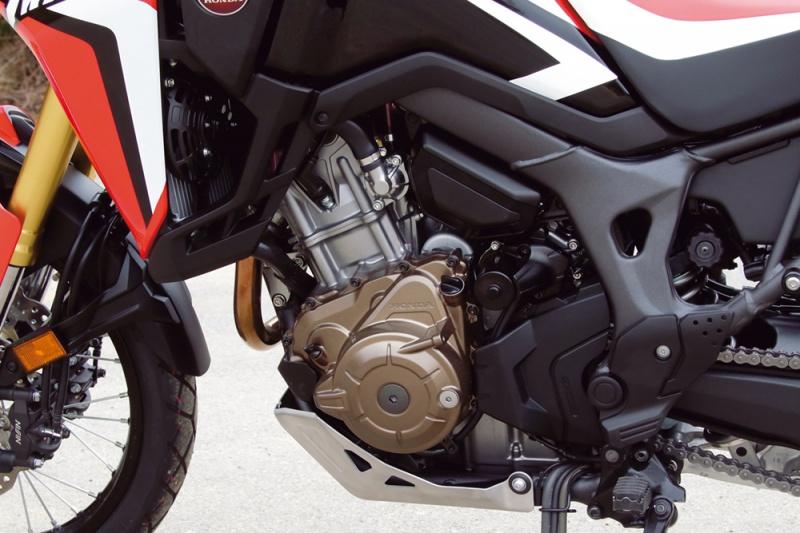 CRF1000Lアフリカツインのエンジン