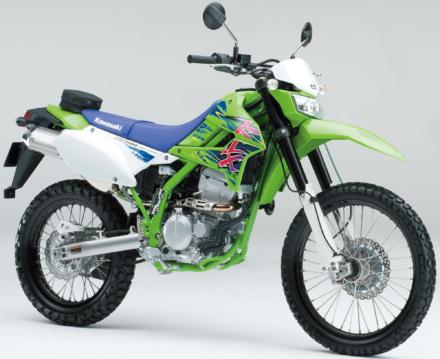 2016年 KLX250 Final Editionは初期モデルを彷彿させるカラーリングを採用!!