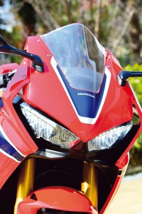 ホンダ・CBR1000RRのフロントマスク