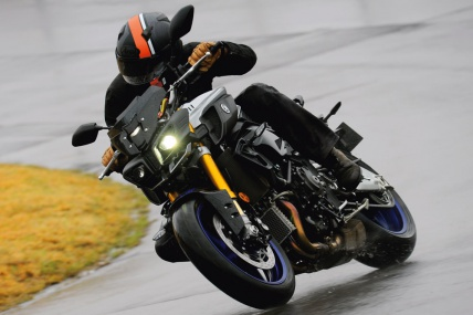 YAMAHA MT-10/SP