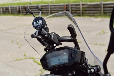ホンダのCRF250ラリーに携帯ホルダーを装着