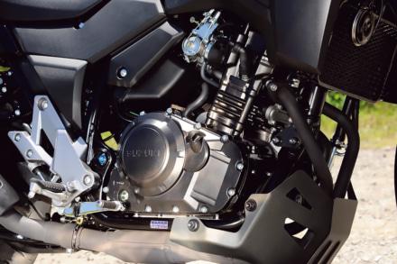 スズキ Vストローム250のパラレルツインエンジン