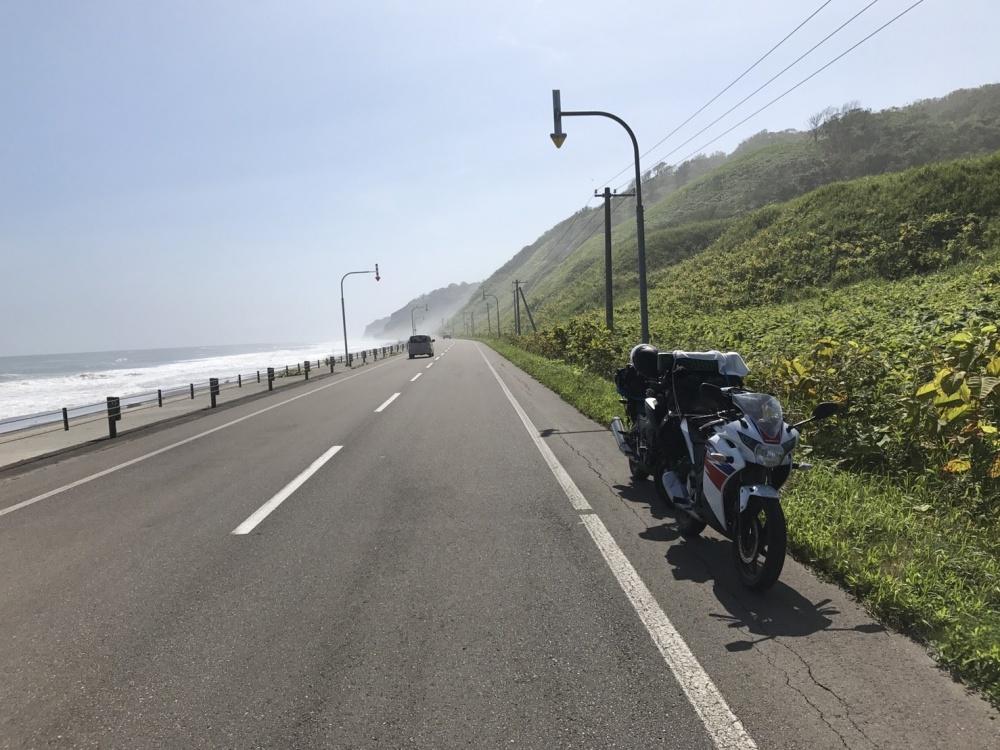 名もなき海岸線の道