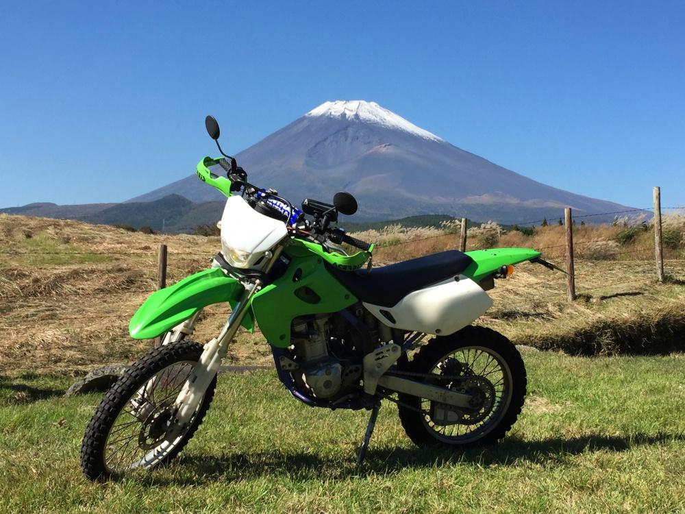 富士山と「闘う4スト」