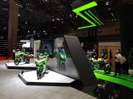 [東京モーターショー2017]カワサキはワールドプレミアとなる新型ニンジャ250/400など、計13台のマシンを展示