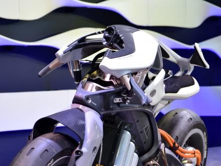 [東京モーターショー2017]YAMAHAブース レポート! MOTOROiD&NIKENほか、注目モデルを紹介