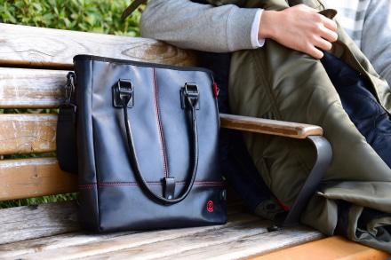 SHINICHIRO ARAKAWAより、仕事使いにも映える『クールレザートートバッグ』が登場