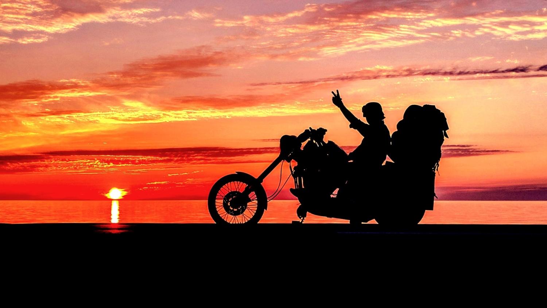 オロロンライン 日本海に沈む夕陽