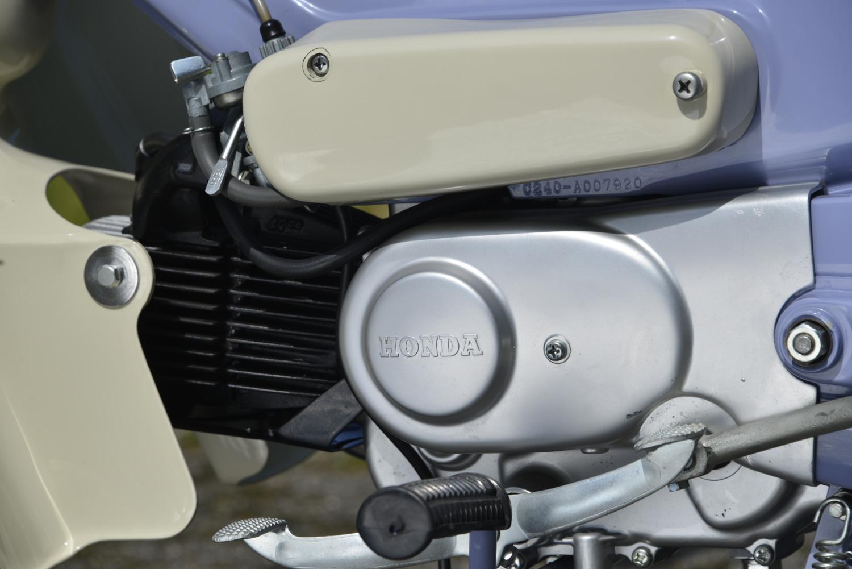 ホンダのポートカブC240のエンジン