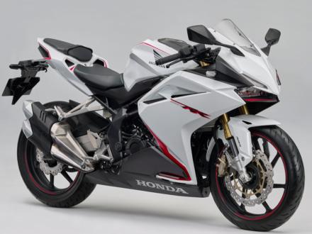 東京モーターショー2017で展示されていたカラーが登場!CBR250RR ABSに新色ホワイト追加