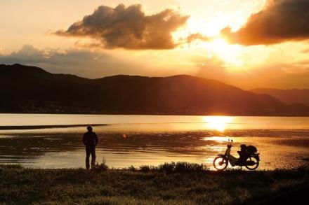 風まかせNo.18に掲載した『天竜川を巡る旅。―諏訪湖から太平洋まで―』をスーパーカブシリーズ登場記事アーカイブに追加しました