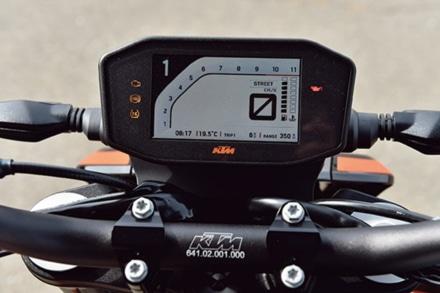KTMの790デュークのメーター