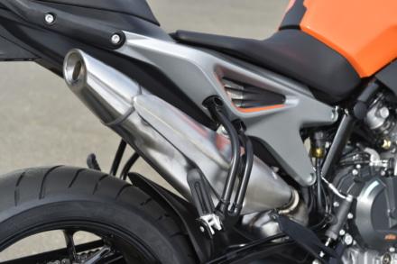 KTMの790デュークのサイレンサー