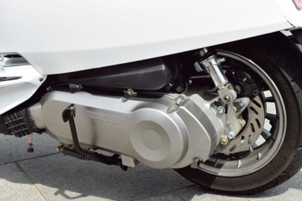 ランブレッタのV125スペシャルのエンジンユニット