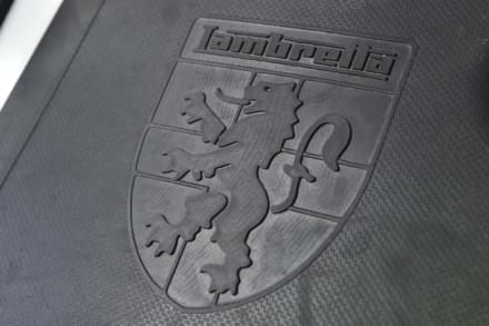 ランブレッタのV125スペシャルのロゴマークは歴史を感じさせる