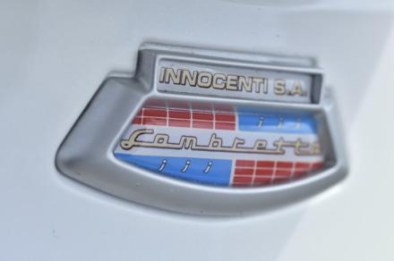ランブレッタのV125スペシャルのイノチェンティ社のロゴ