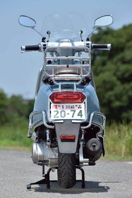 ランブレッタのV200スペシャルのリヤビュー。オプション装着車両