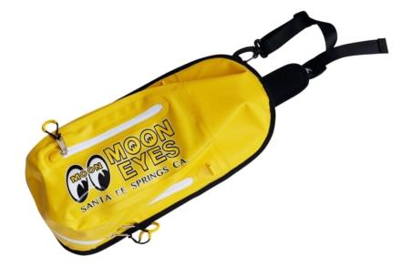 ムーンアイズから圧着式シームレス仕様の防水ワンショルダーバッグが登場