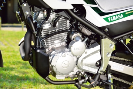 ヤマハの新型セロー250のエンジンにはキャニスターが追加された