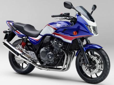 新色ブルーが追加! 2019年モデルのHONDA CB400SF/SBはABSを標準装備するなど、より充実の装備に