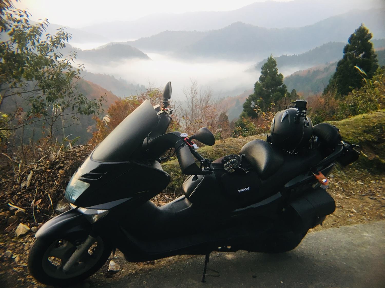 おにゅう峠 最後の雲海と紅葉