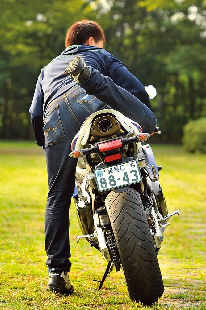 Honda Cbr600rr バイク足つき アーカイブ タンデムスタイル