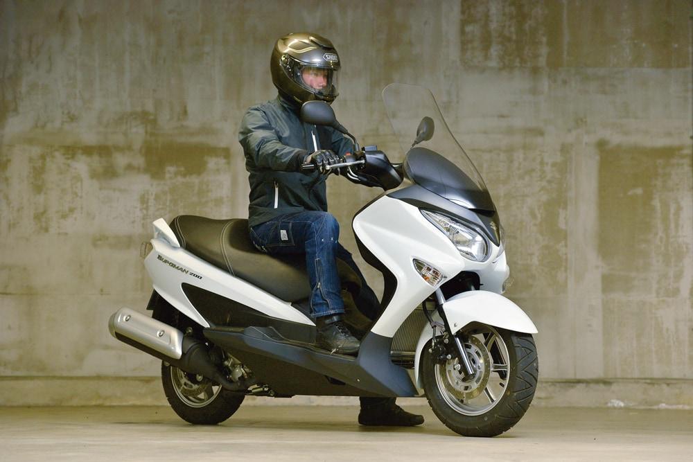 SUZUKI バーグマン200 | バイク...