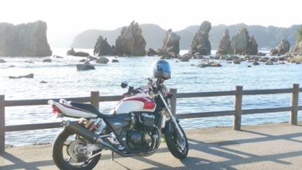 橋杭岩と愛車と朝日