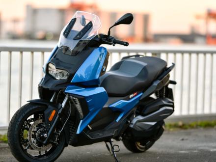 普通二輪免許で乗れるBMWに新たな選択肢が!C400X&C400GTが国内販売をスタート