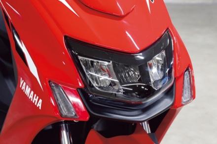 ヤマハ・シグナスXのヘッドライト