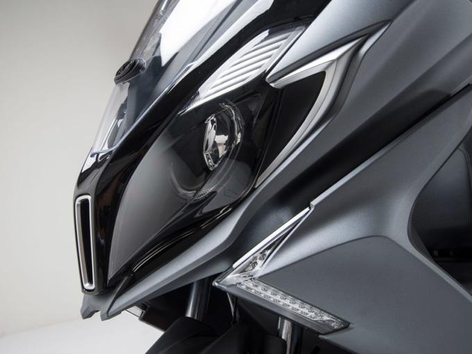 キムコ ダウンダウン125i ABSのヘッドライト
