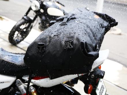 ドッペルギャンガーより全天候型で大容量の『ターポリンツーリングシートバッグ』が登場