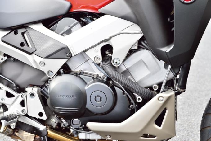 HONDA VFR800X エンジン