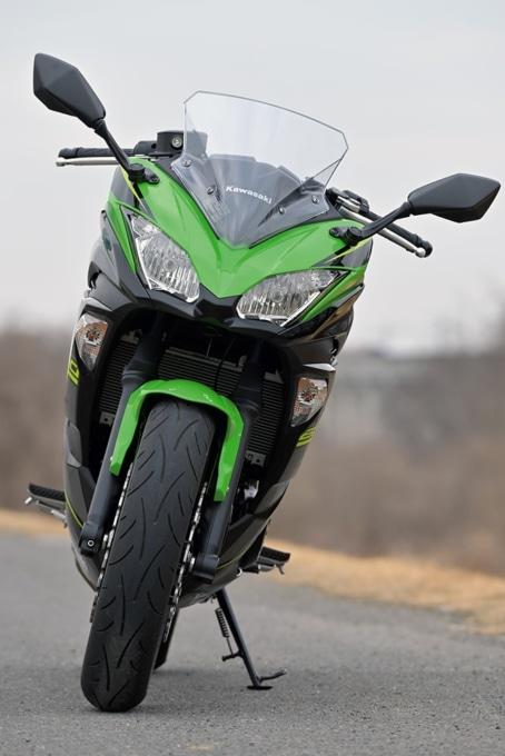 Kawasaki Ninja650 フロントビュー