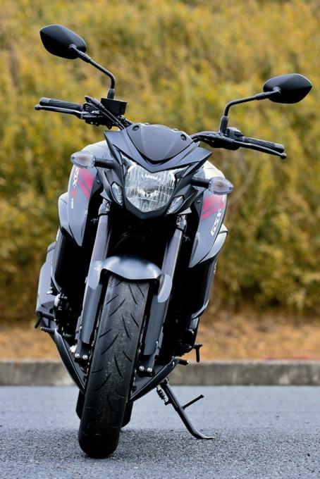 SUZUKI GSX750 ABS フロントビュー