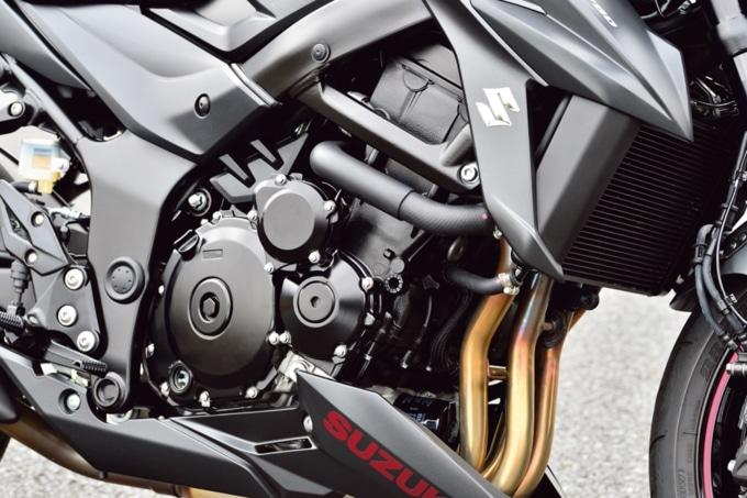 SUZUKI GSX750 ABS エンジン