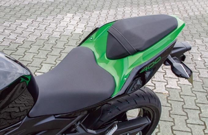 2019年式 カワサキ Z400 シート