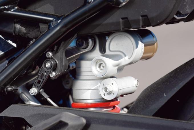 2019年式 BMW S1000RR Mパッケージ 電子制御のリヤサスペンション