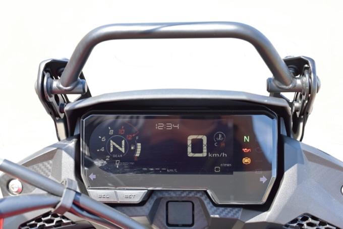 2019年モデル HONDA 400X デジタルメーター