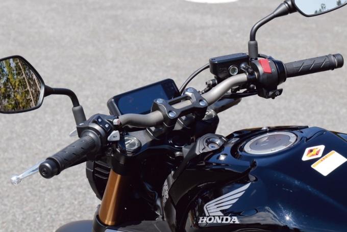 2019年モデル HONDA CB650R ハンドル