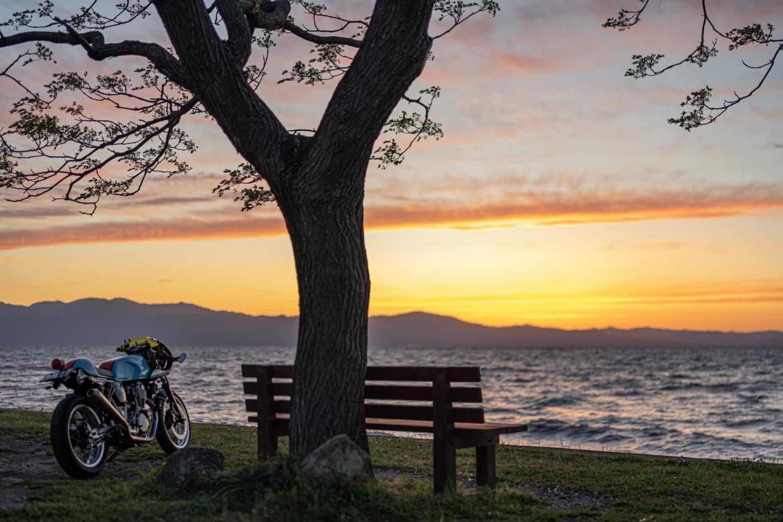 夕暮れの琵琶湖