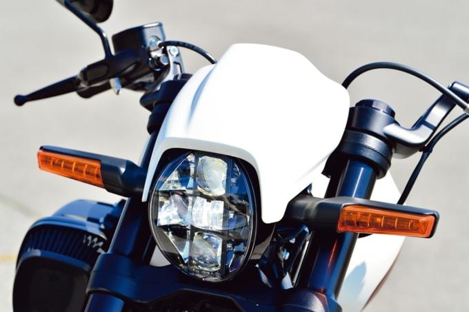 HARLEY-DAVIDSON FXDR114 ヘッドライト