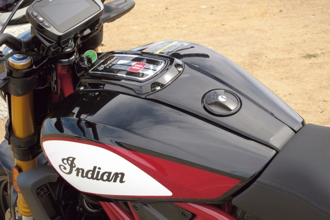 Indian Motorcycle FTR1200S 走行