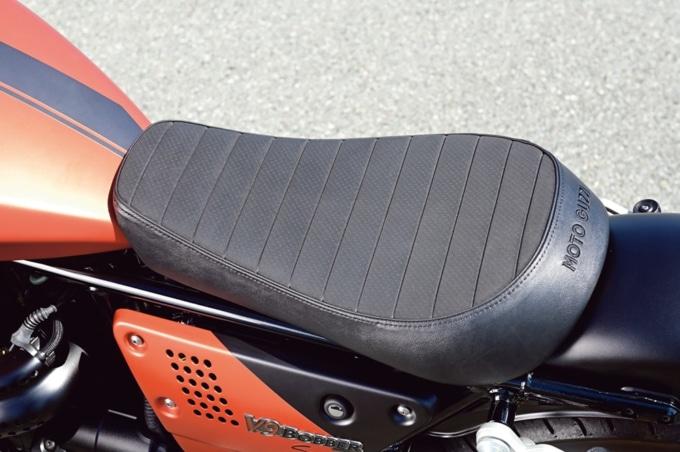 MOTO GUZZI V9 BOBBER SPORT シート