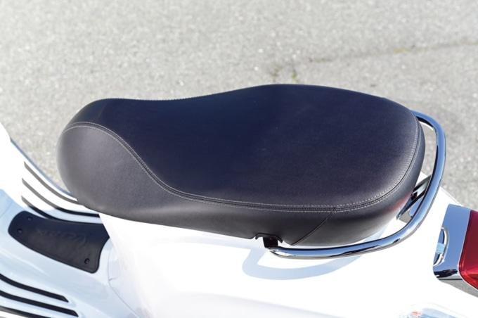 Vespa Primavera S150 ABS シート