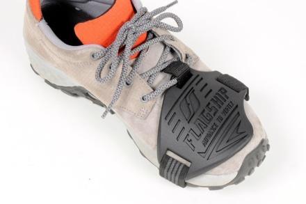 普段使いの靴もライディングに使える便利アイテム!フラッグシップ『シフトパッド ハードタイプ』