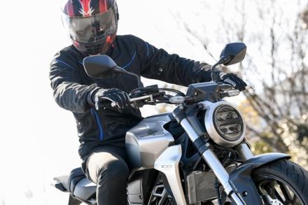 快適さと安全性を低価格で!モーターヘッドのライディングジャケットでツーリングをより楽しく