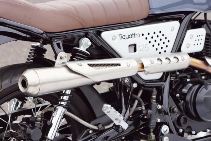 イタルモト ティクアトロ125 スクランブラー アップマフラー