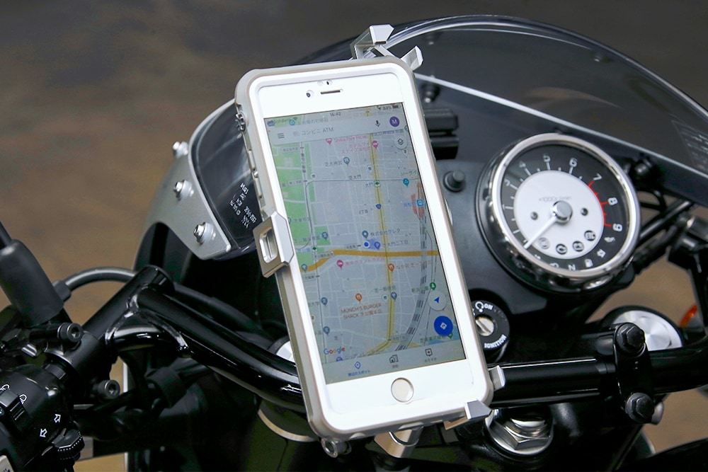 サインハウス マウントシステム A-45でiPhoneをマウント